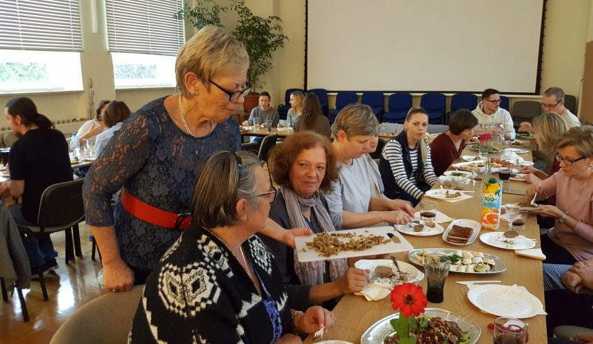 Impreza pożegnalna naszej Krysi Turkiewicz, szkolnej sekretarki, która odbyła się 27 Października.